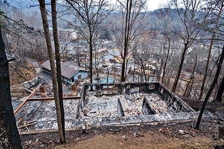 homes destroned by wildfire in Gatlinburg, Tennessee